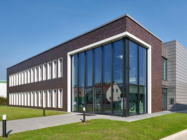 """Neubau eines Verwaltungsgebäudes für die Firma Steinbrecher für den """"Tag der Architektur"""" 2018 ausgewählt"""